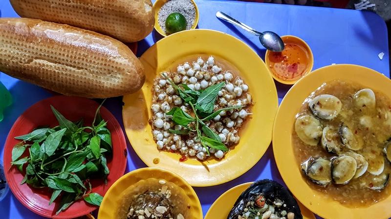 Quán Ốc Luộc - Huỳnh Văn Bánh