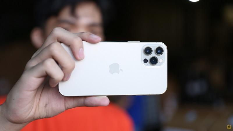 Cụm camera trên iPhone 12 Pro
