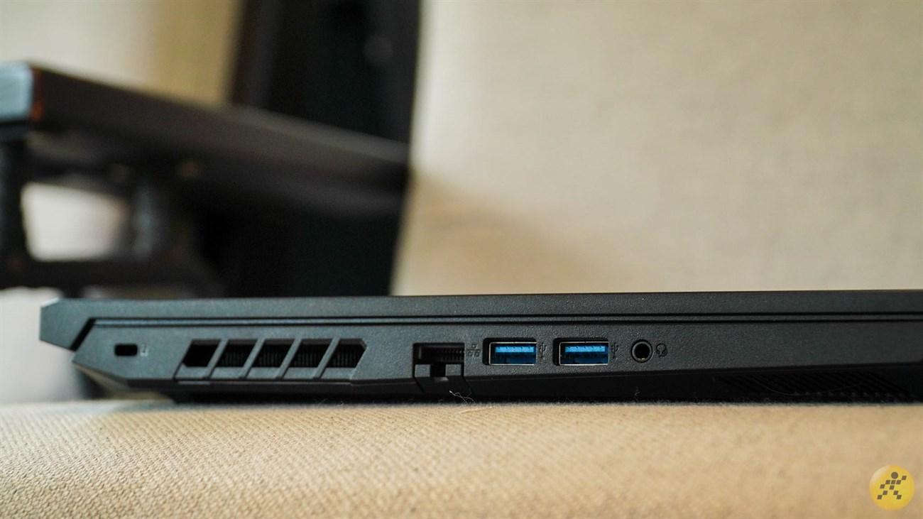 Cạnh trái của Acer Nitro 5