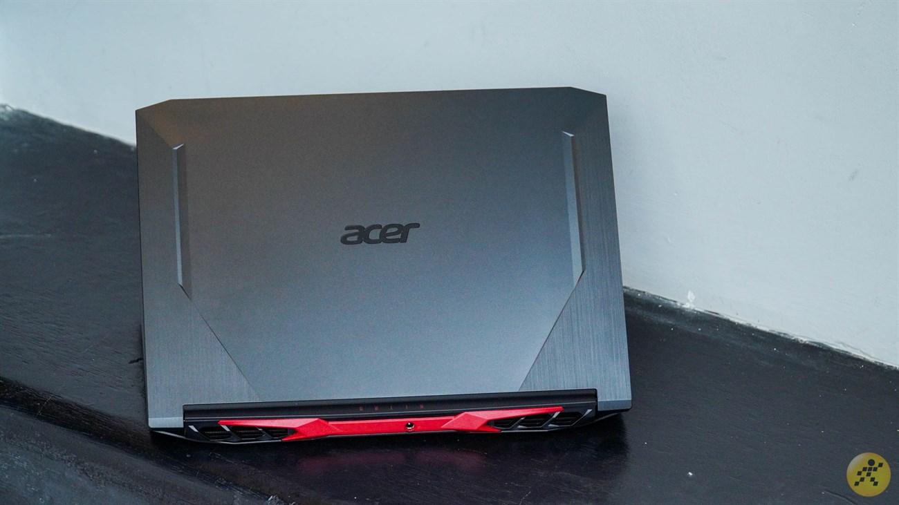 Thiết kế mặt lưng của Acer Nitro 5