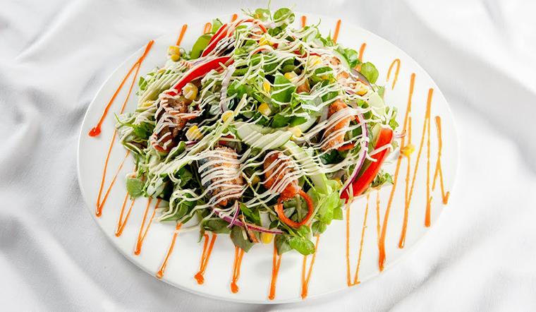 Mách bạn cách làm salad cá mòi đơn giản, ngon miệng cho buổi sáng