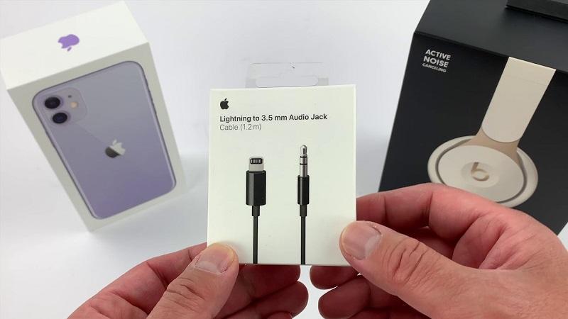Apple ra mắt cáp Lightning to 3.5mm với giá 810.000 đồng, rẻ hay đắt?