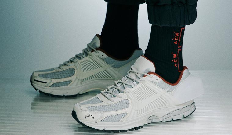 Giày trắng mang vớ màu gì vừa đẹp vừa thời thượng?