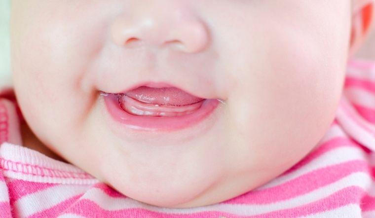 Những dấu hiệu cho thấy bé yêu nhà bạn sắp mọc răng
