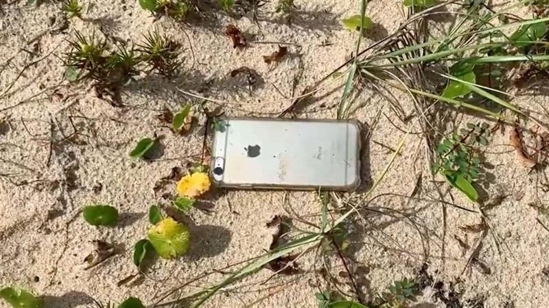 Thật bất ngờ, iPhone 6s rơi từ máy bay xuống vẫn sống sót, thậm chí còn quay lại cả khung cảnh khi đang rơi