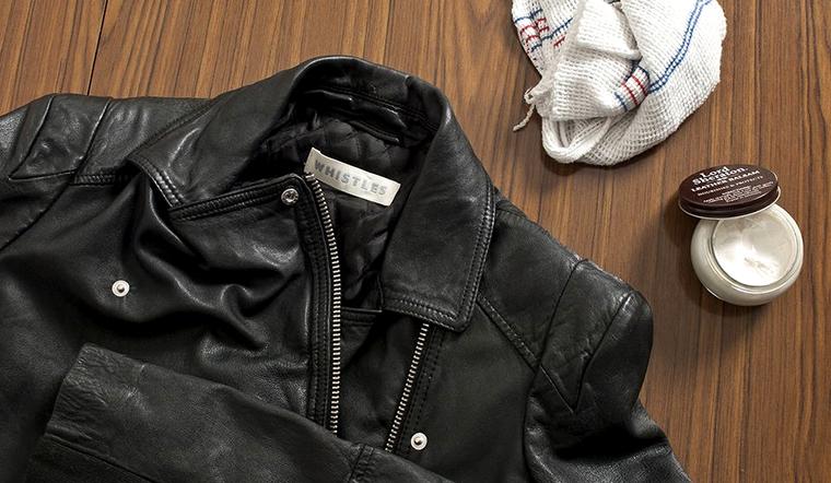Cách khắc phục áo da bị nổ và bảo quản áo da đẹp như mới