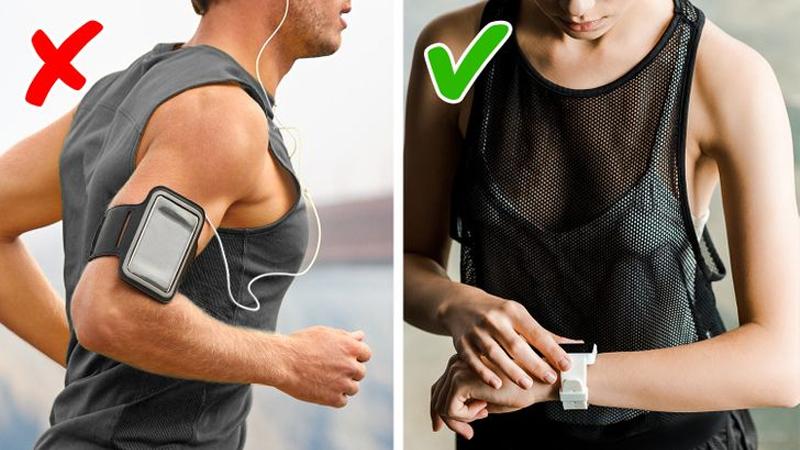 Không dùng bao đeo tay giữu điện thoại khi tập thể dục