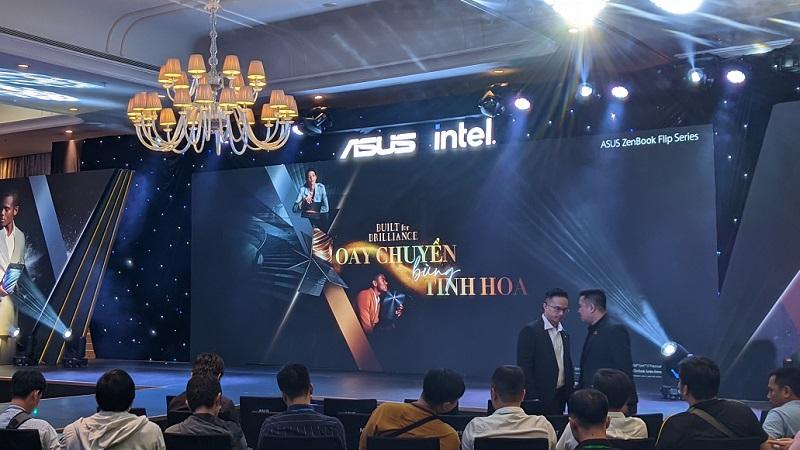 ASUS ZenBook Flip Series ra mắt tại Việt Nam