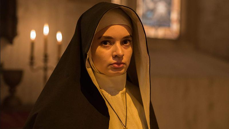 nữ sơ Irene do Taissa Farmiga thủ vai