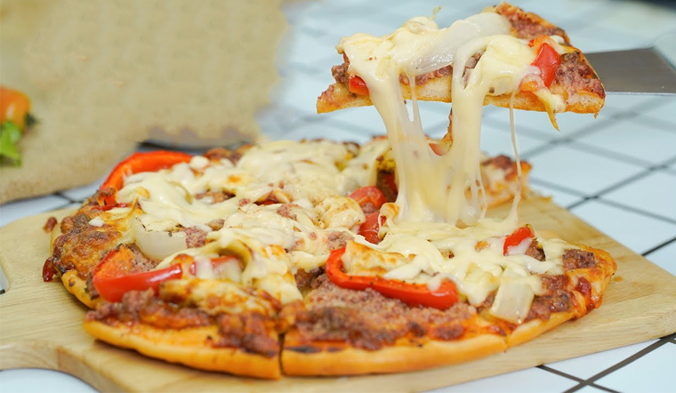 Cách làm pizza pate thơm ngon nức mũi, ai ăn cũng mê