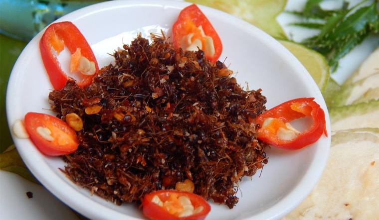 Muối kiến vàng ăn với gì mới ngon?
