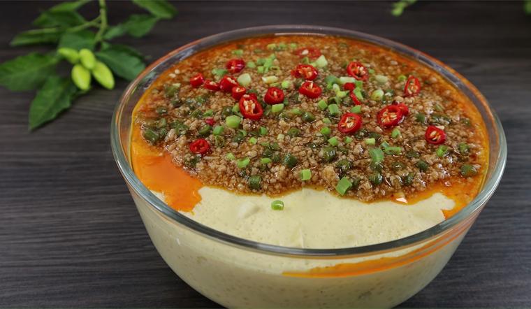 Cách làm đậu hũ trứng sốt thịt heo ngon ngất ngây con gà tây