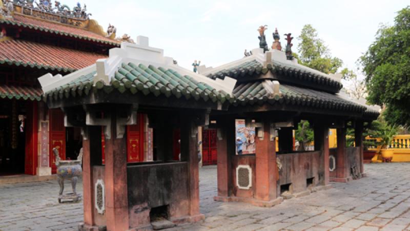 Khu đền và mộ của Tả quân Lê Văn Duyệt