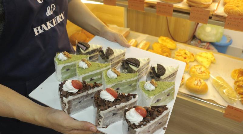 Cafe De Bakery - Cake