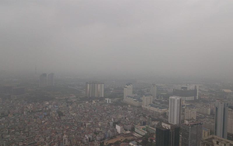 Một nguyên nhân gây ra mụn lưng chính là bởi vì tình trạng ô nhiễm không khí ngày càng tăng cao