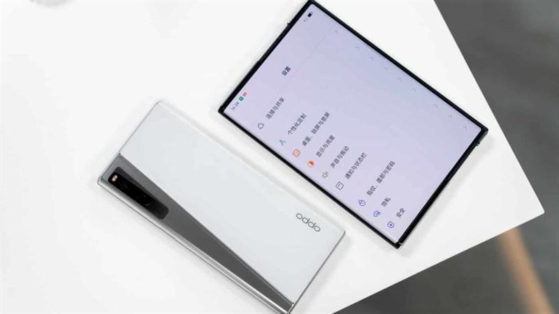 OPPO X 2021 được trang bị màn hình cao cấp