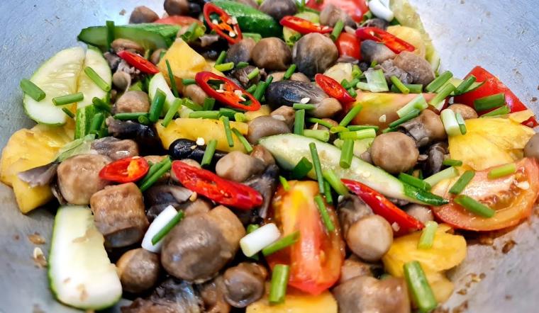 Cách làm nấm rơm xào chua ngọt đơn giản nhưng siêu bắt cơm