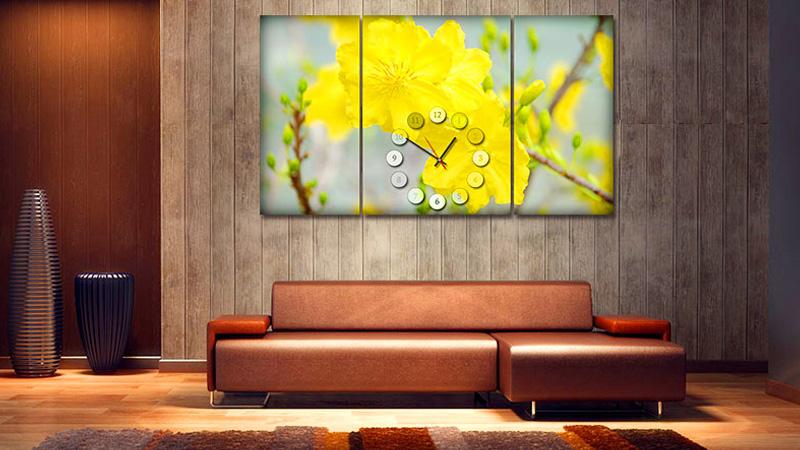 Trang trí phòng khách ngày Tết với tranh treo tường