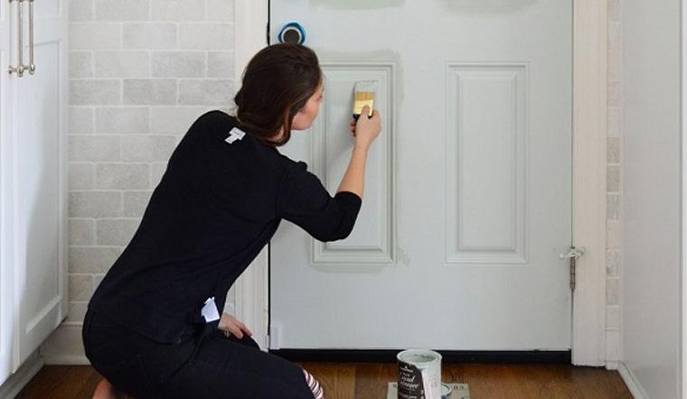 Hướng dẫn chi tiết cách sơn cổng, cửa nhà đơn giản, đẹp nhất