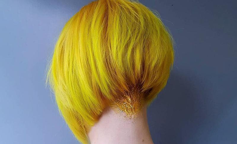 Kiểu tóc vàng chanh Blonde Angled Bob