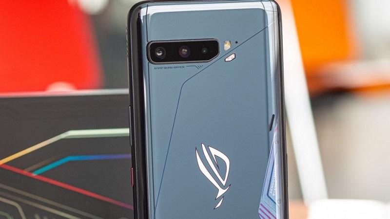 Smartphone chuyên chơi game, có pin 6.000mAh ROG Phone thế hệ mới vừa lộ ảnh thực tế trên tay người dùng