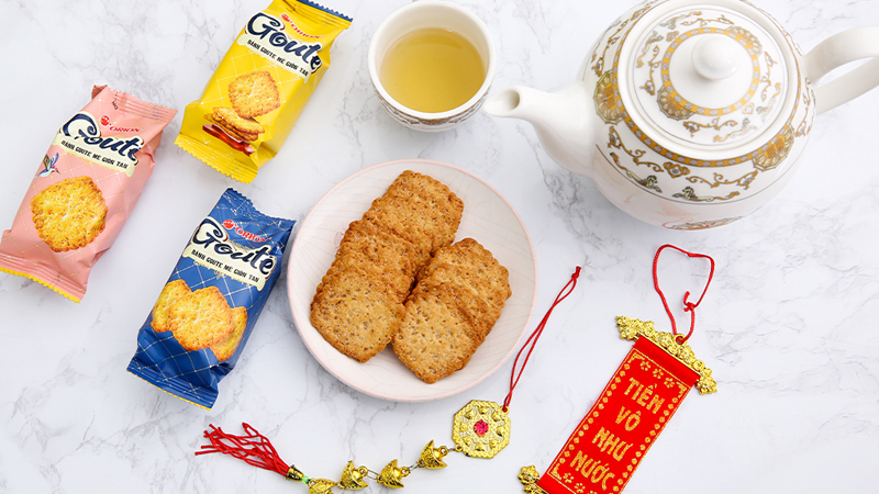 Bánh quy mè giòn tan Gouté - phiên bản hộp thiếc đặc biệt cho Tết