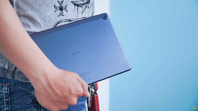 MatePad T10s cổ máy giải trí với màn hình Full HD cùng hệ thống âm thanh Harman Kardon, trong mức giá chỉ hơn 5 triệu