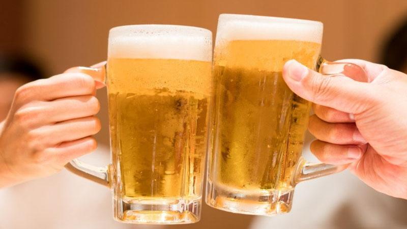 Phụ nữ nên uống bao nhiêu bia là tốt