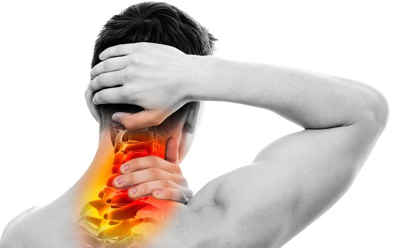Đau vai gáy là một triệu chứng xương khớp thường gặp và thường xảy ra khi thời tiết chuyển đổi