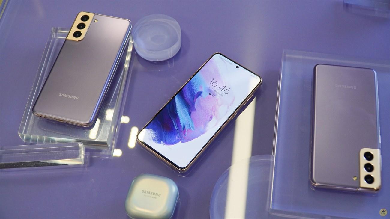 Samsung Galaxy S21 5G cho trải nghiệm hiển thị phê chữ ê kéo dài