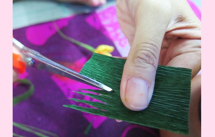Làm đài hoa – Làm đồ trang trí Tết bằng giấy nhún
