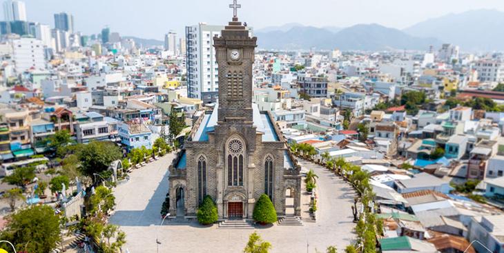 Nhà Thờ đá Nha Trang
