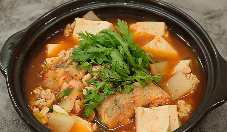 Tự làm canh cá kiểu Hàn Quốc chuẩn nhà hàng tại nhà
