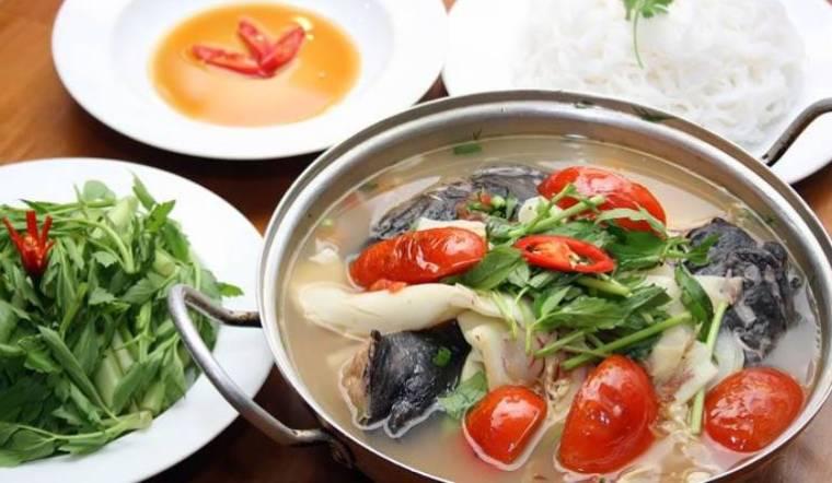 Cách nấu lẩu cá bông lau chua ngọt cho bữa tiệc cuối tuần