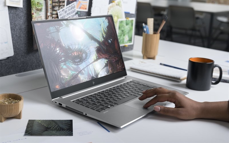 The screen on the HP ZBook Studio G7 gives good visibility, outstanding colors.