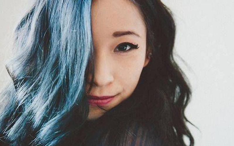 Tóc nhuộm màu xanh đen