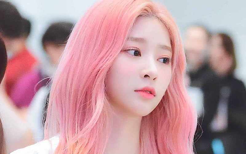 Tóc nhuộm màu hồng