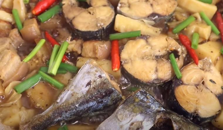 Cách làm cá nục kho măng chuẩn vị thịt cá chắc không bị tanh