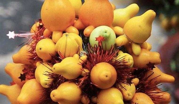 Trái dư chưng mâm ngũ quả miền Tây - Chỉ ngắm thôi đừng ăn!