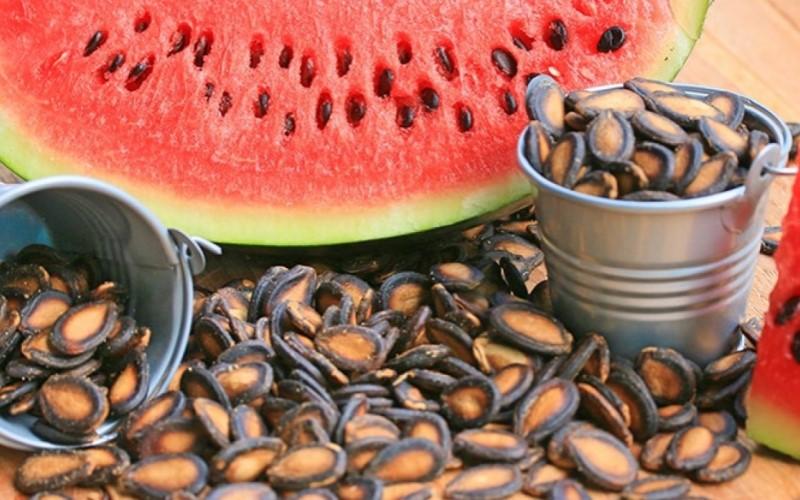 Hạt dưa có nhiều calo không? Cách ăn hạt dưa không bị nóng và đau họng