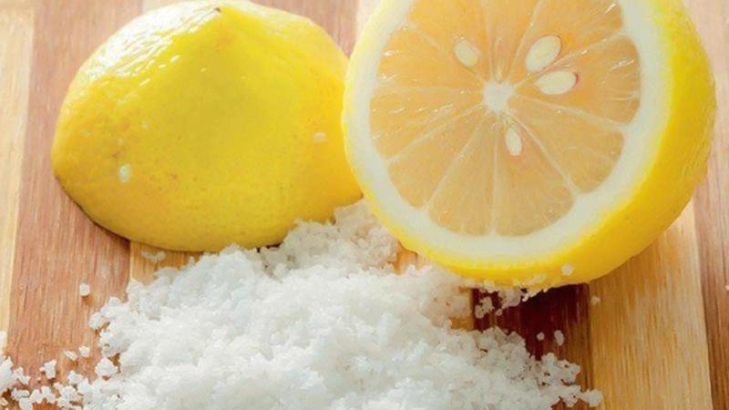 Tẩy mủ bằng muối, chanh