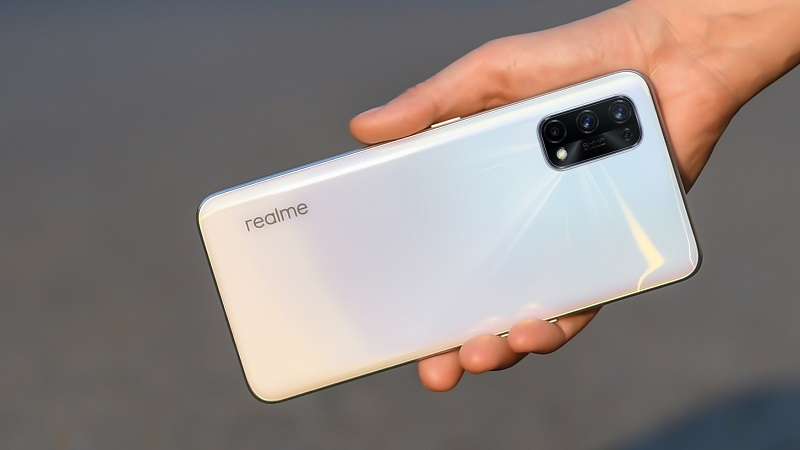 I hope the Realme X9 will have a slightly different camera placement than its predecessor, Realme X7 (pictured).  (Source: Realme).