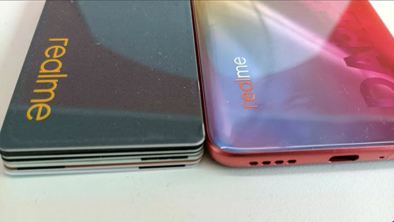 Realme X9 will have an ultra-slim design, only equal to 6 ATM cards combined.  (Source: Digit.in).