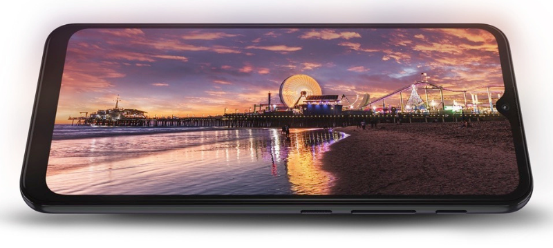 Both Motorola Moto G10 and G30 own screens size 6.5 inches, the resolution is HD +.  (Source: Motorola).