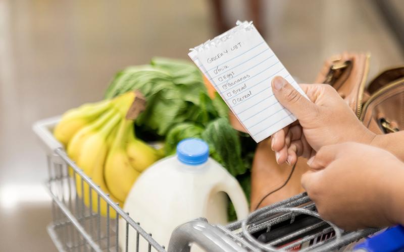 Lên danh sách các thứ cần mua để tránh hoang phí