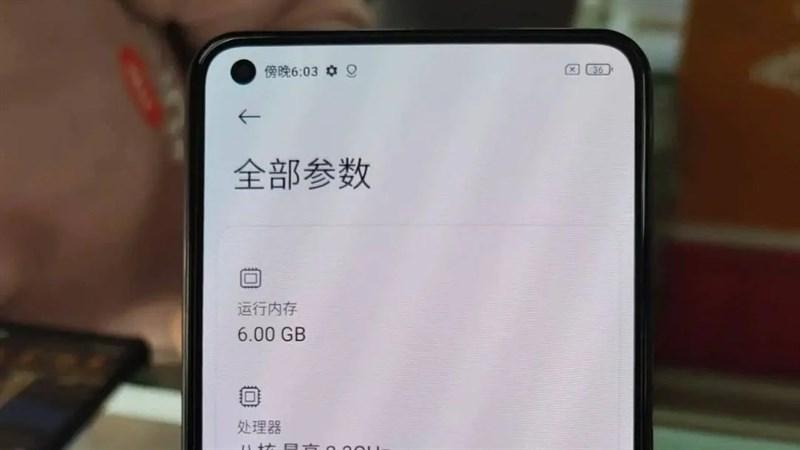 Xiaomi Mi 11 Lite lộ ảnh thực tế trên tay người dùng, xác nhận nhiều thông tin cấu hình trước ngày ra mắt