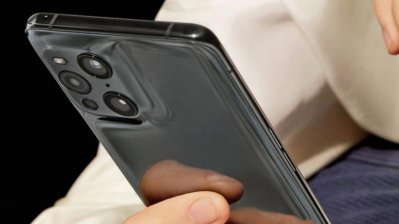 Chiếc smartphone này được cho là OPPO Find X3 Pro