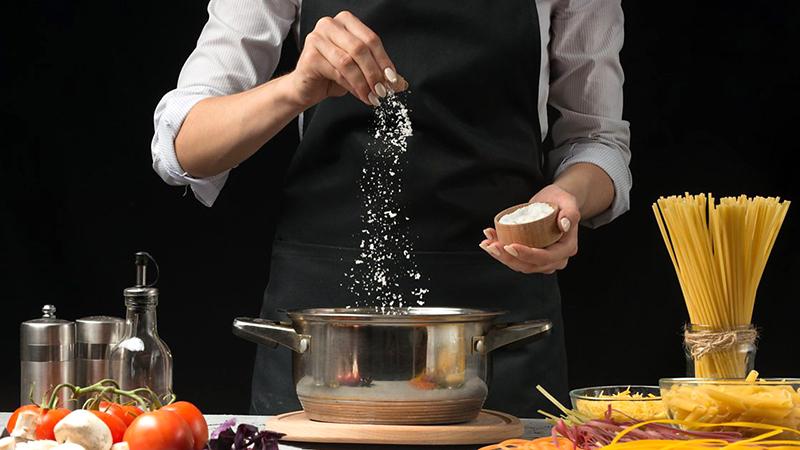Ăn bún, phở tăng nguy cơ nạp muối vào cơ thể