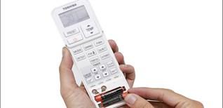 Hướng dẫn cách thay pin remote máy lạnh Toshiba đơn giản mà hiệu quả