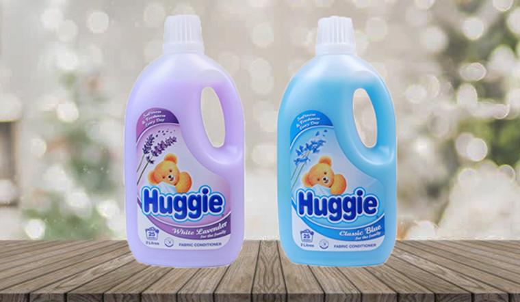 Giữ quần áo bé thơm tho, mềm mại với nước xả vải Huggie